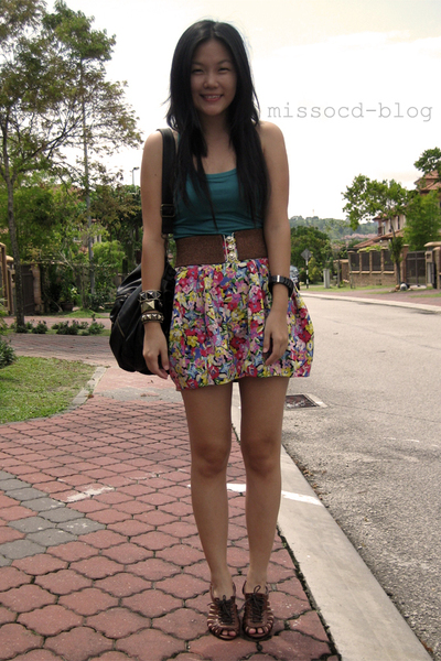 red floral uk skirt - brown online shoes - green tank Miss OCD top