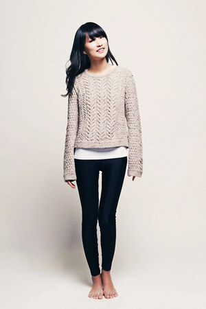 beige Rag and Bone sweater - black basic American Apparel leggings