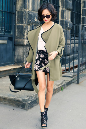 olive green misspouty coat - black trapeze Celine bag