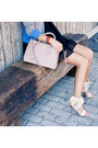 Black-misspouty-dress-heather-gray-misspouty-blazer-light-pink-prada-bag