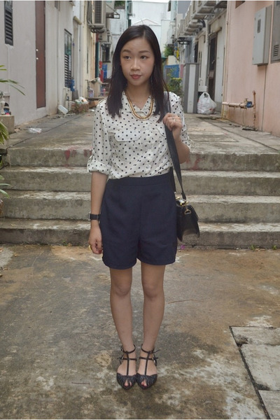 polka dot OASAP blouse - cross body thrifted bag - high waisted vintage shorts