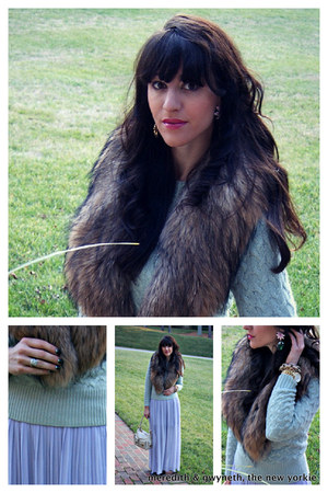 fur collar Alice  Olivia scarf - pleated Forever 21 dress