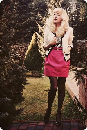 hot pink skirt - white cardigan - black heels