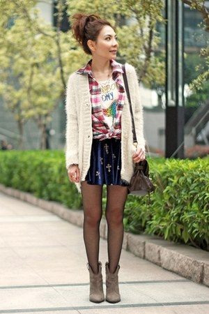 blue velvet crosses skirt - light brown suede Zara boots - bubble gum shirt