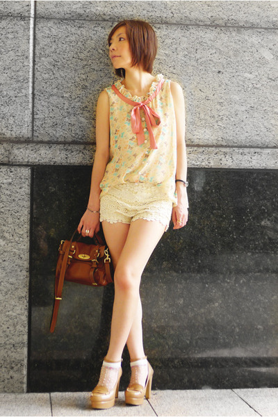 peach blouse - beige loafers shoes - bronze alexa mini Mulberry bag