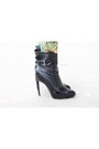 Black-contrast-pu-boohoo-boots-printed-cotton-kira-plastinina-suit