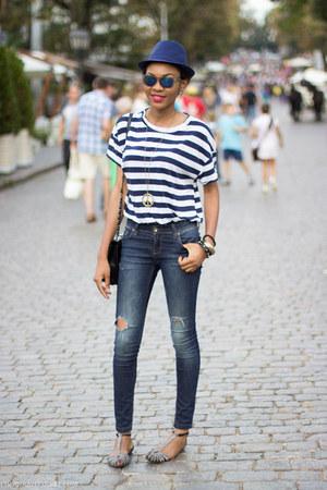 striped Zara t-shirt - Zara sandals