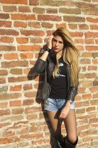 Zara shorts - Guess jacket - Zara t-shirt