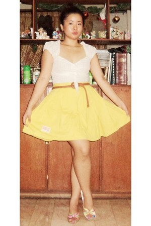 yellow skirt - tawny belt - ivory blouse - heels
