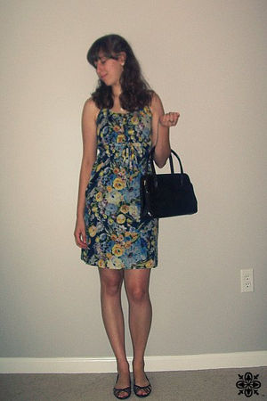 Old Navy earrings - brown kohls shoes - brown thrifted bag