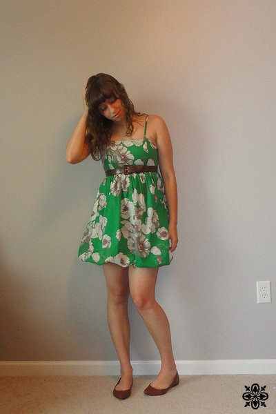 green dresses brown thrifted belts brown target shoes