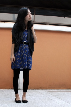 SS dress - Mixed apparel sweater - vintage belt - leggings - Maxima shoes