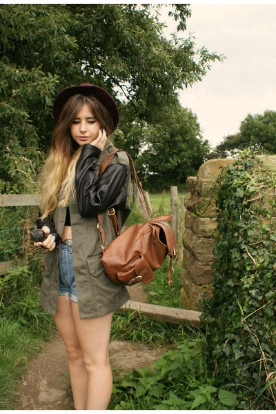 vintage coat - H&M hat - Primark bag - vintage shorts