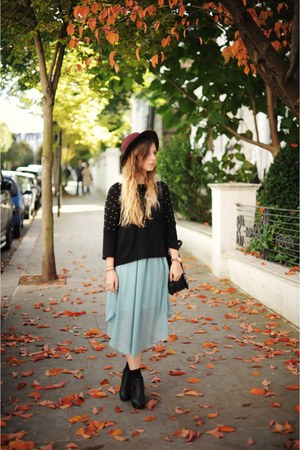 Batoko skirt - H&amp;M hat - Oasis jumper