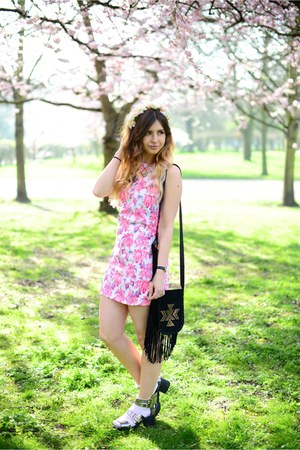 bubble gum Fashion Union dress - black Primark bag - silver Primark sandals