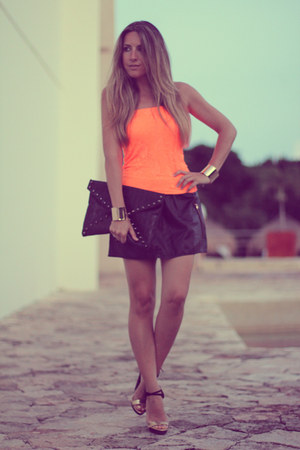 Bershka skirt - envelope clutch romwe bag - Zara sandals