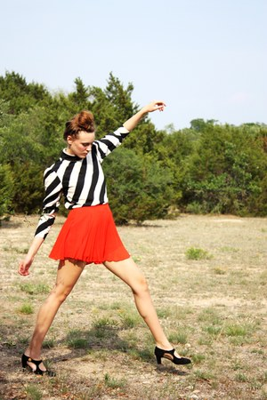 orange BCBG shorts - black vintage blouse - black vintage heels