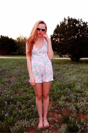 aquamarine vintage romper - pink vintage sunglasses