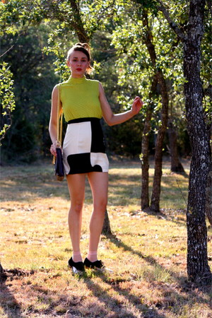 chartreuse vintage shirt - deep purple Halston bag - black skirt
