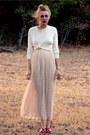 Eggshell-silk-shirt-neutral-silk-lace-oscar-de-la-renta-skirt