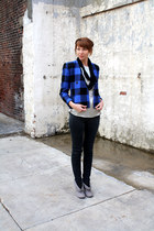 black Silence & Noise jeans - blue vintage jacket - black modcloth scarf - gray 