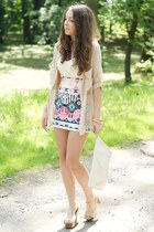 ivory Bershka skirt - beige VJ-style shoes - ivory Nelly bra - gold H&M bracelet