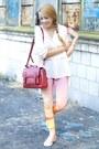 Light-pink-romwe-leggings-ruby-red-sheinside-bag-peach-converse-sneakers