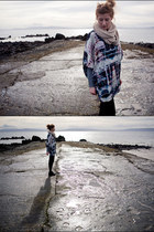 black Zara boots - navy H&M blouse