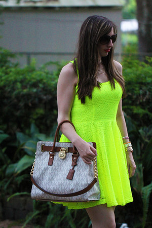 Express dress - Michael Kors bag - Giuseppe Zanotti sandals
