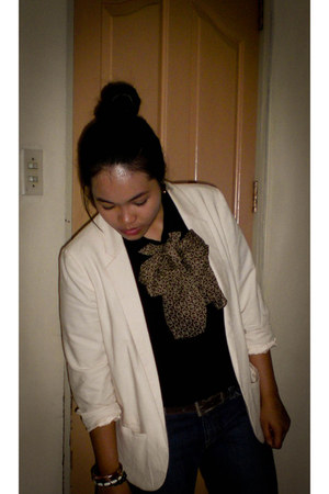 neutral linen Topshop blazer - light brown used as bow scarf