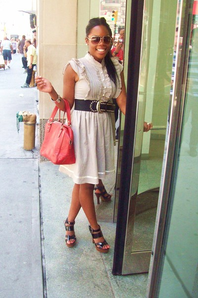 gray dress random brand - studded belt f21 - avaitors f21 - shoes f21