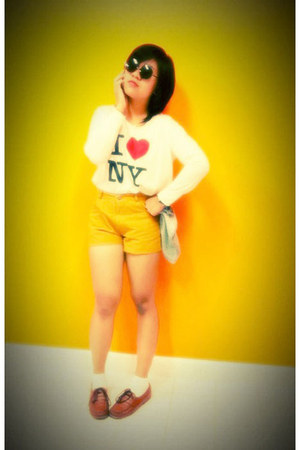 burnt orange vintage Secondhand shoes - ivory i love ny no brand shirt - mustard