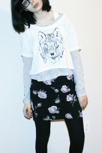 white Talula shirt - black Talula skirt - black TNA leggings - silver TNA shirt