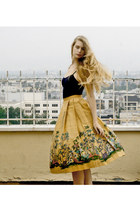 mustard vintage skirt - navy American Apparel top - crimson vintage sandals