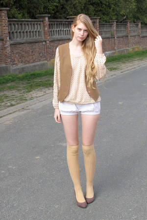 peach American Apparel sweater - off white American Apparel shorts - nude Americ