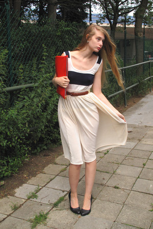 ivory American Apparel skirt - red American Apparel bag