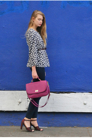 magenta myongdong market bag - navy American Apparel pants - navy vintage blouse
