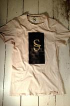 Eggshell-signature-lost-spirit-lounge-t-shirt