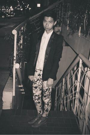 white floral Zara pants - black Balmain blazer