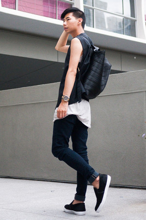 black sleeveless COS blazer - black Steve Madden shoes