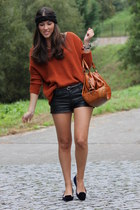 Stradivarius jumper - Georges Rech bag - H&M shorts - Zara loafers