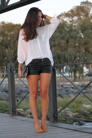 Stradivarius shirt - Zara bag - H&amp;M shorts - Mango pumps