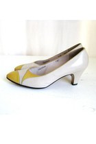 Vintage Salvatore Ferragamo Cream &amp; Yellow Leather Mod Heels, sz 7.5