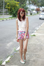 Light-pink-cross-pink-vanilla-shirt-bubble-gum-flowers-romwe-shorts