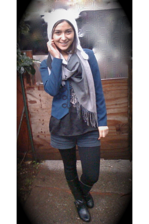 gray scarf - blue blazer - black top - blue hollister shorts - black boots - sil