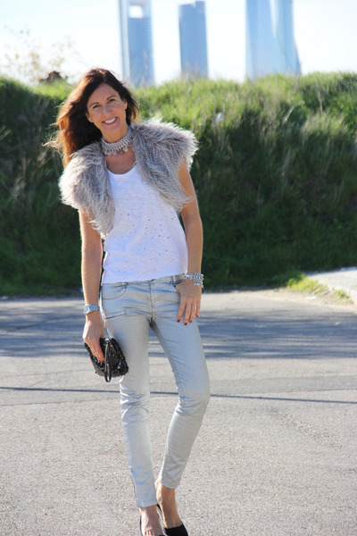 vest - necklace - pants