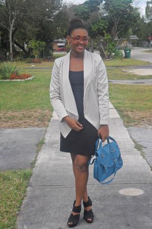 sky blue bag - beige blazer - black skirt - black t-shirt - black wedges