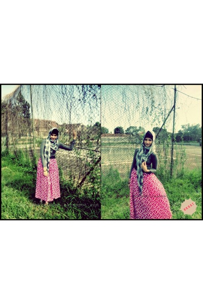hot pink maxi skirt BULL skirt - heather gray shirt BULL shirt