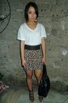 white Hanes shirt - brown Rockwell Bazaar skirt - black boutique shoes - black N
