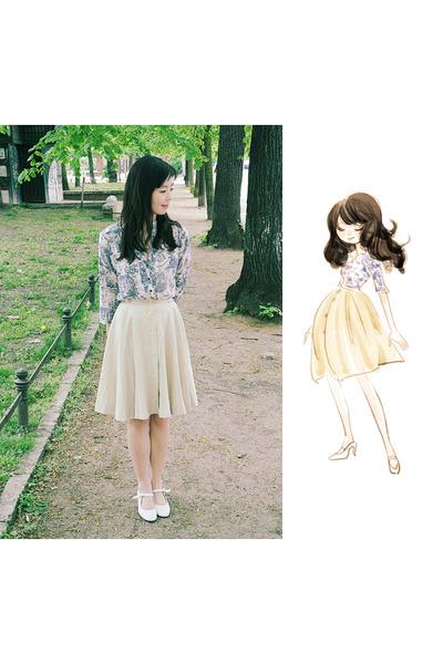 blue Zara blouse - vintage shoes - beige vintage skirt